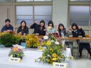 華道部の生け花とお茶席