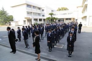 入学式を待つ